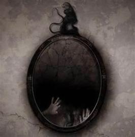 ¿Qué pasaría si una mañana al miraros al espejo no aparecierais reflejados?